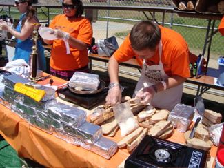 Michael Davidson wins the 2009 Grilled Cheese Invitational