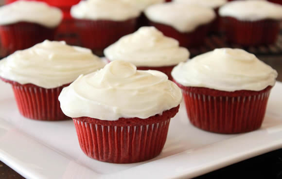 Red Velvet Cupcakes and Cream Cheese Frosting Recipe