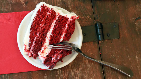 Red Velvet Cake with Cream Cheese Frosting Recipe!