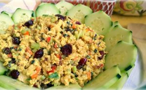 Curry Chicken and Rice Salad - AverageBetty.com